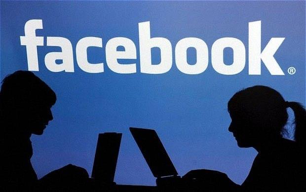 Auto là gì trên facebook và những phần mềm auto trên face
