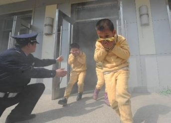 Cách xử lý kịp thời cho nạn nhân bị ngạt khói khi hỏa hoạn (4)